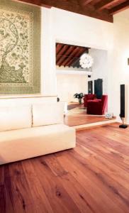 Parquet e divano