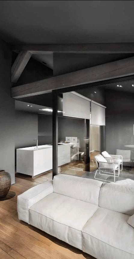 Parquet e Divano bianco di legno in Design e letteratura